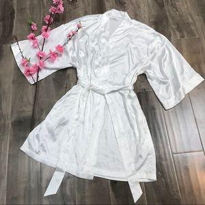 VICTORIA'S SECRET bride kimono robe